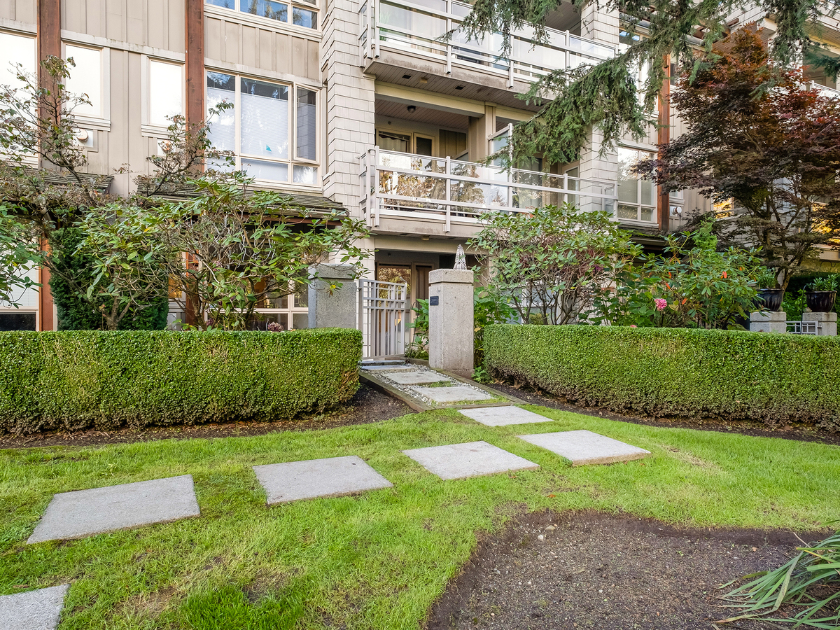 003 at 206 - 580 Raven Woods Drive, Roche Point, North Vancouver