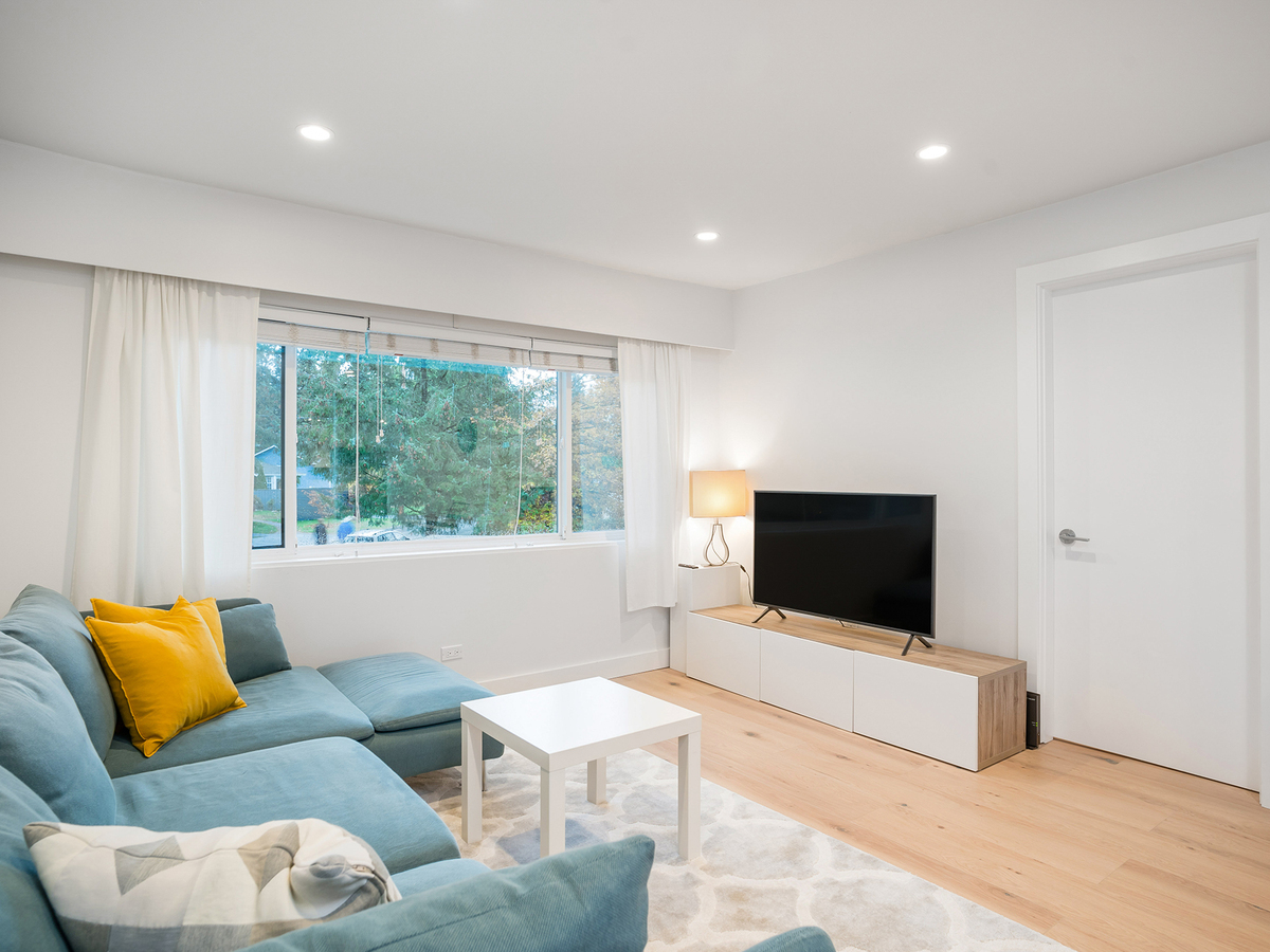 10 at 1295 Plateau Drive, Pemberton Heights, North Vancouver