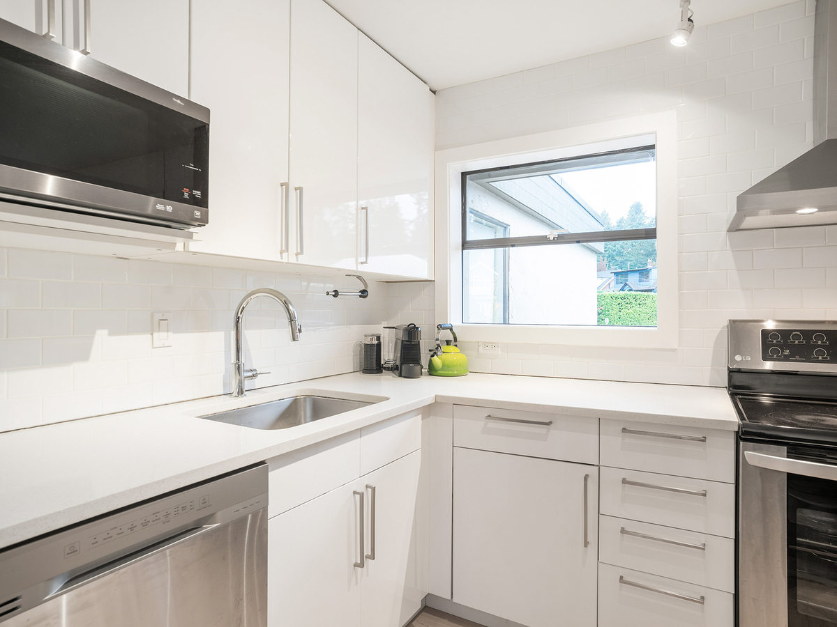 20 at 1295 Plateau Drive, Pemberton Heights, North Vancouver