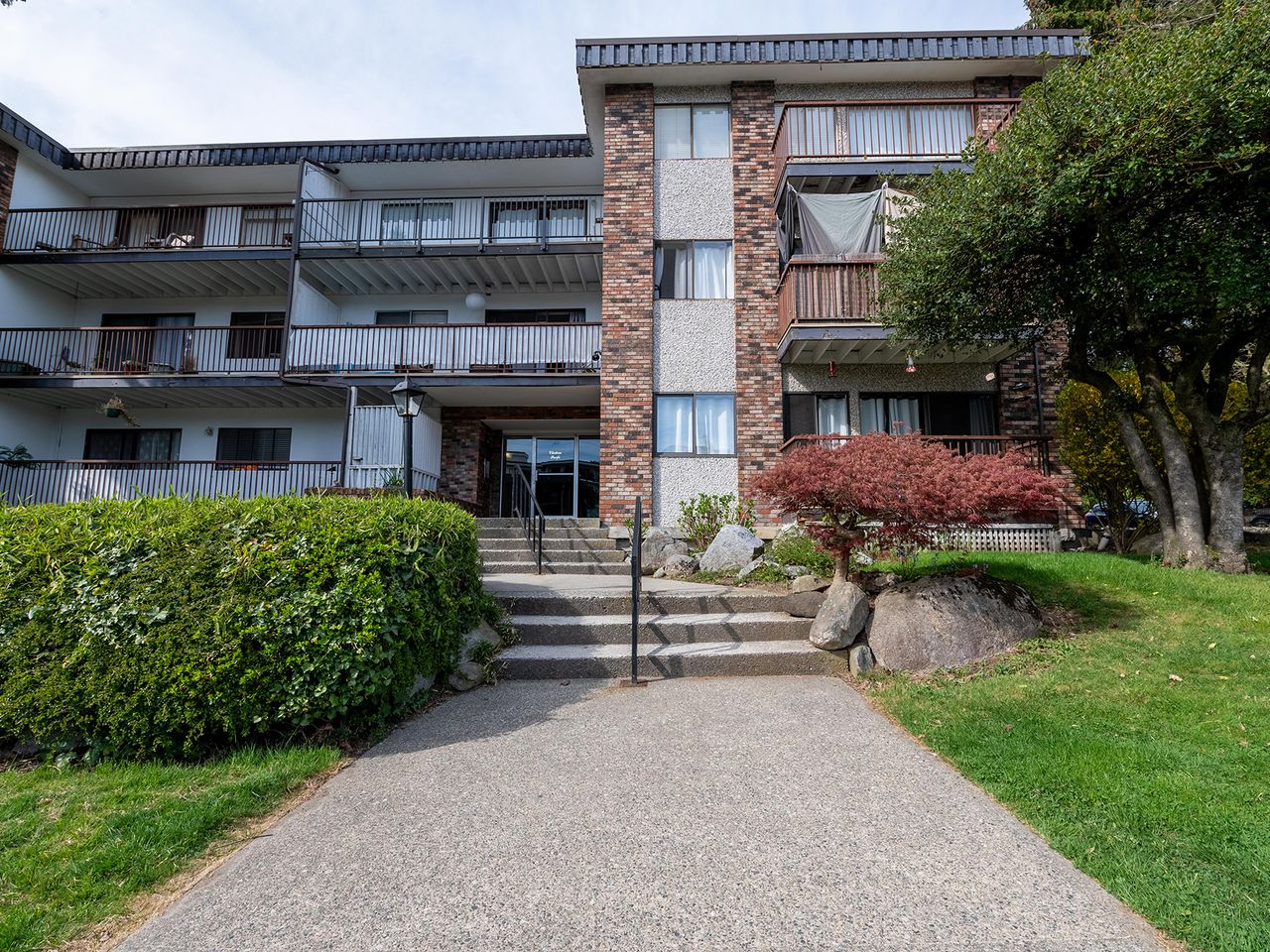 1 at 108 - 160 E 19th Street, Central Lonsdale, North Vancouver