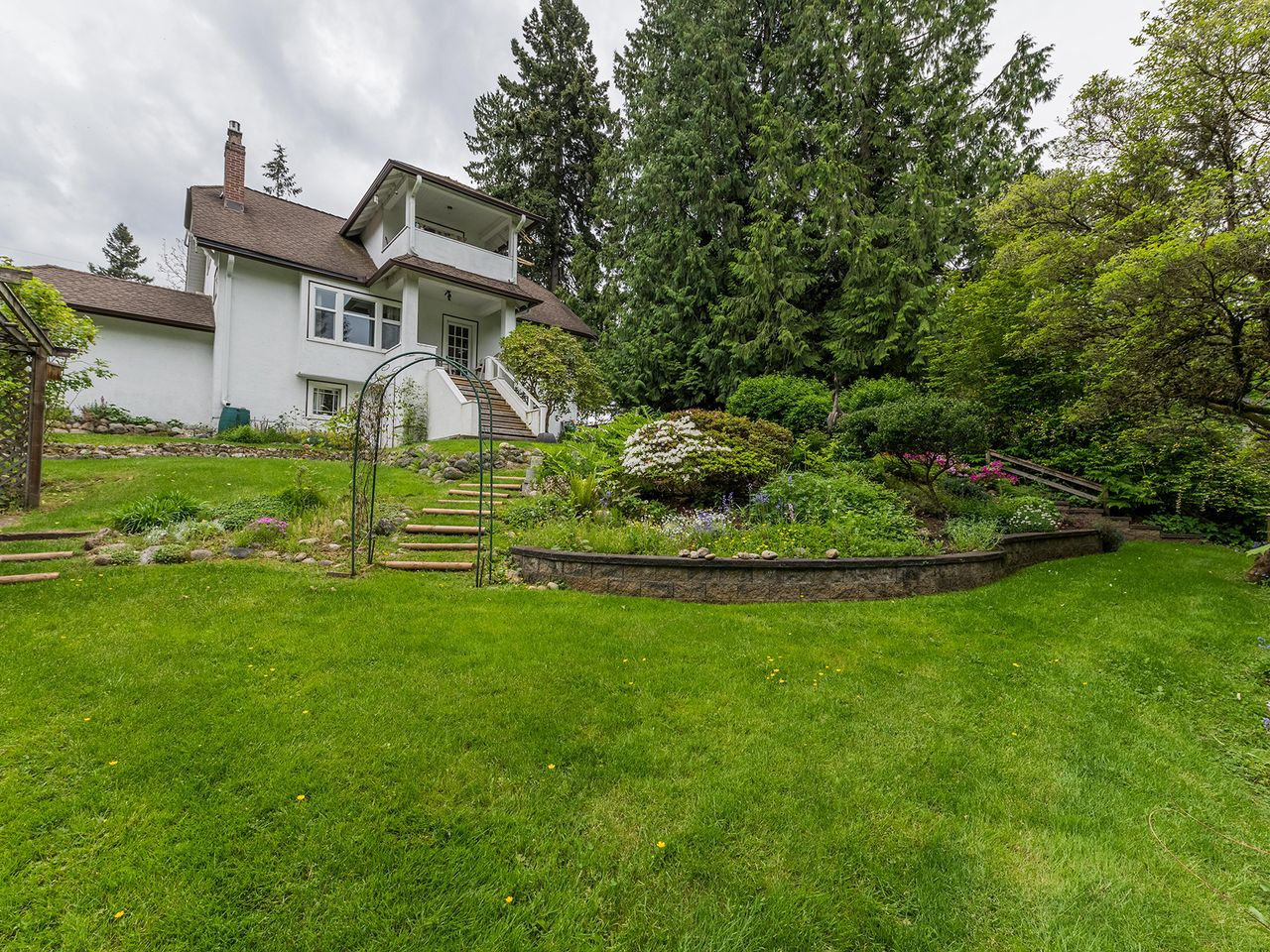 23 at 2016 Bowser Avenue, Pemberton Heights, North Vancouver