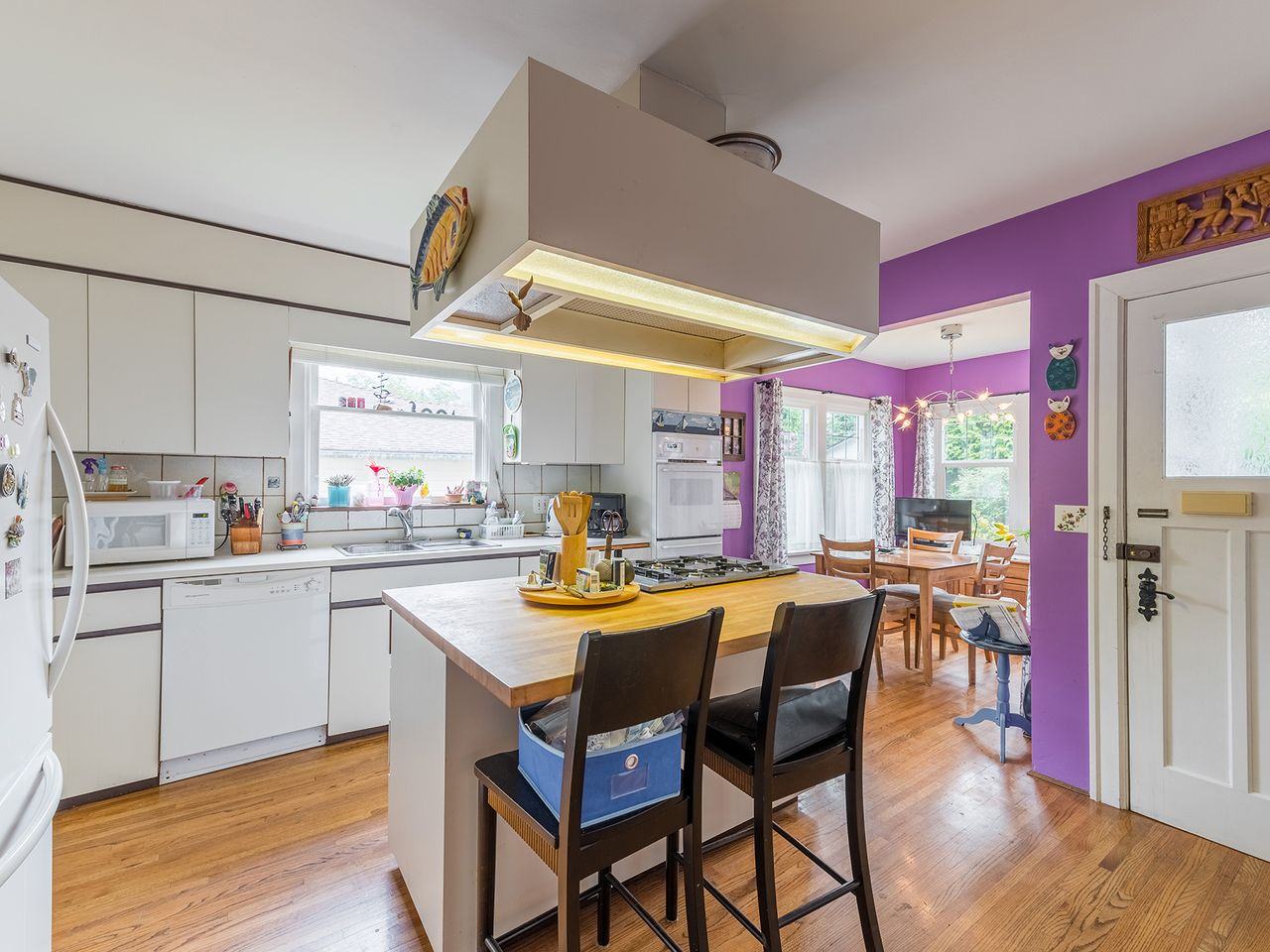 8 at 2016 Bowser Avenue, Pemberton Heights, North Vancouver