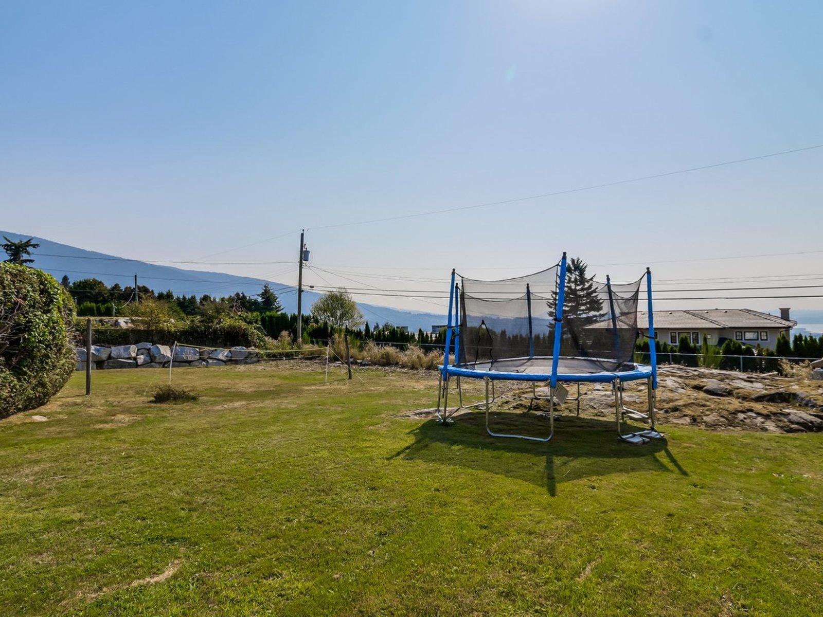 5-mls at 1002 Eyremount Drive, British Properties, West Vancouver