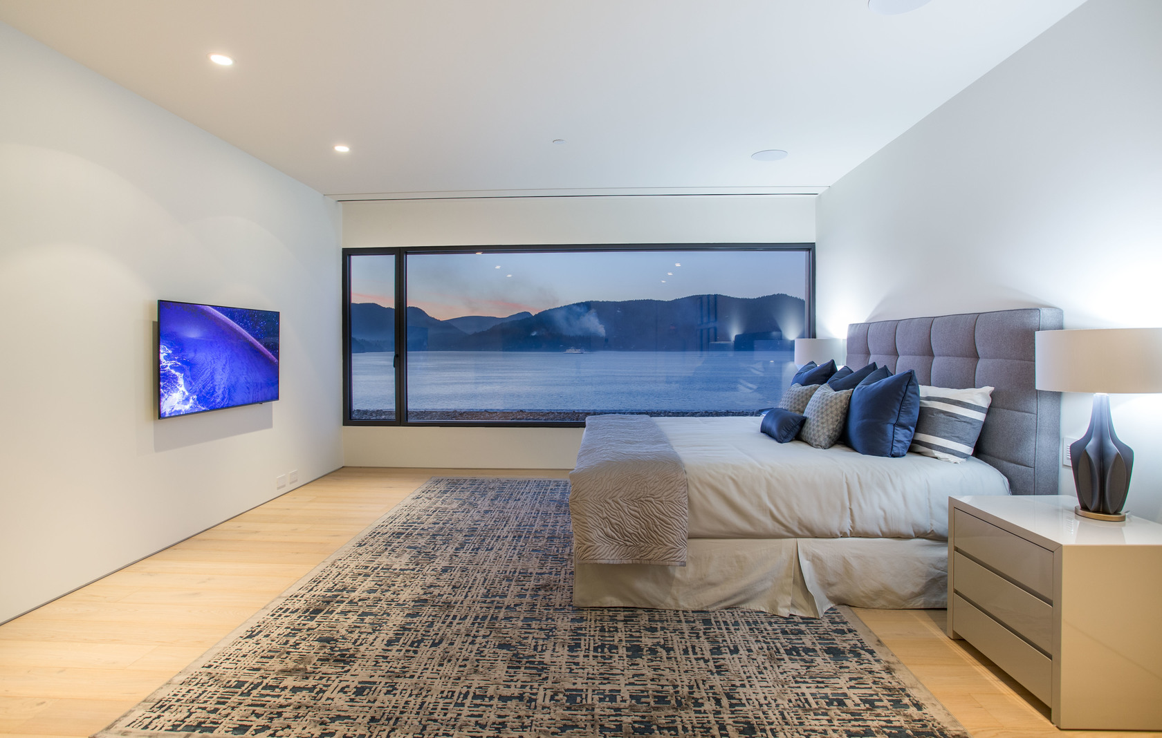 HIGH-15-1 at 7270 Arbutus Road, Waterfront (Whytecliff), West Vancouver