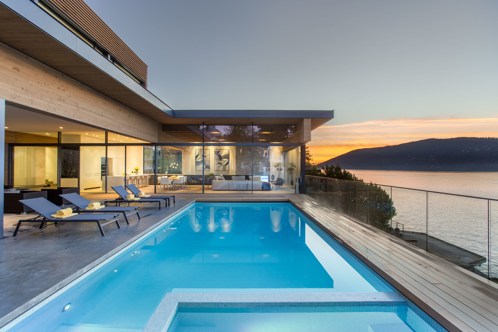 HIGH-8-1 at 7270 Arbutus Road, Waterfront (Whytecliff), West Vancouver