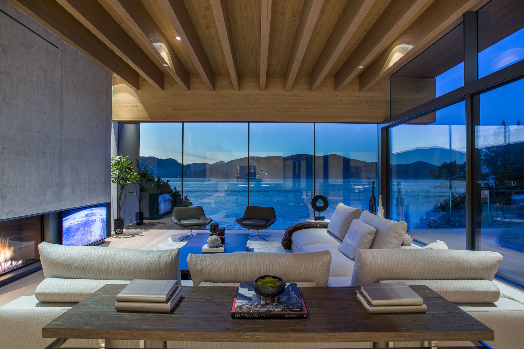 high-32 at 7270 Arbutus Road, Waterfront (Whytecliff), West Vancouver