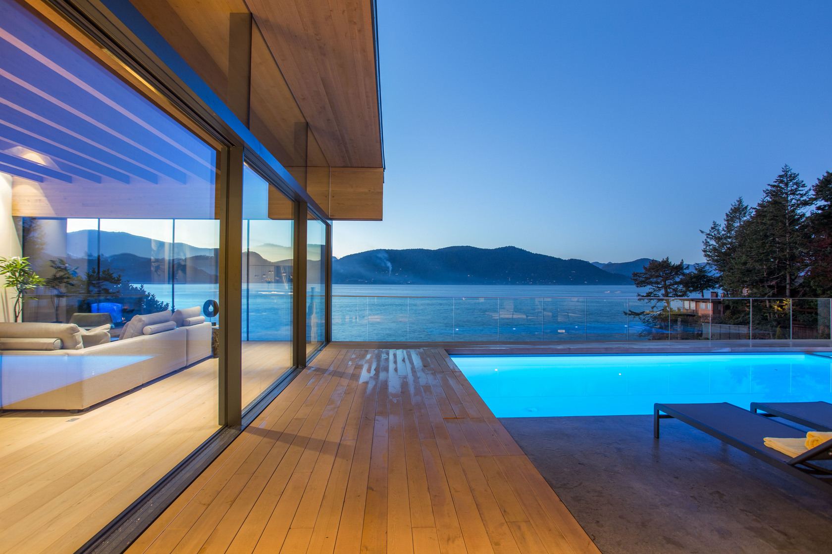 high-34 at 7270 Arbutus Road, Waterfront (Whytecliff), West Vancouver