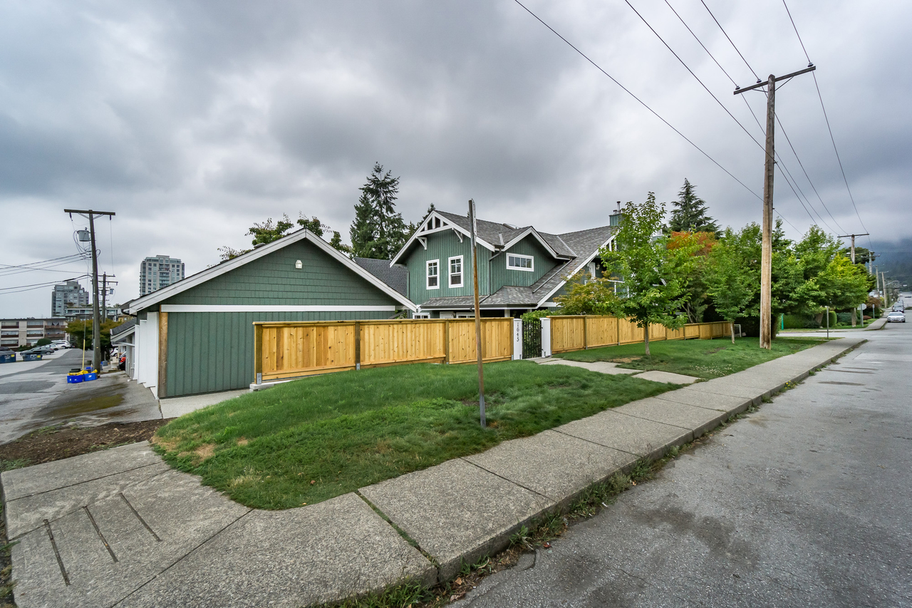 35 at 1645 St Andrews Avenue, Central Lonsdale, North Vancouver