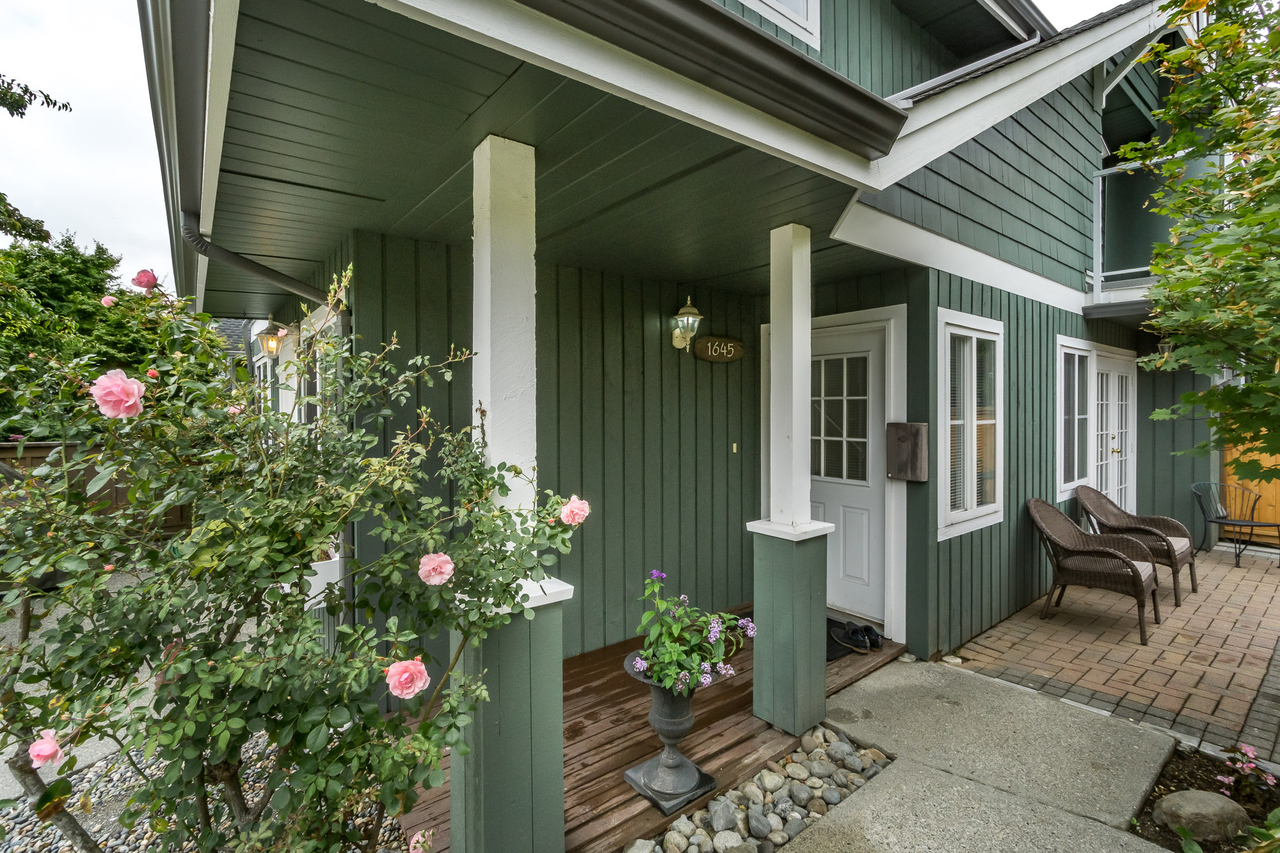 42 at 1645 St Andrews Avenue, Central Lonsdale, North Vancouver