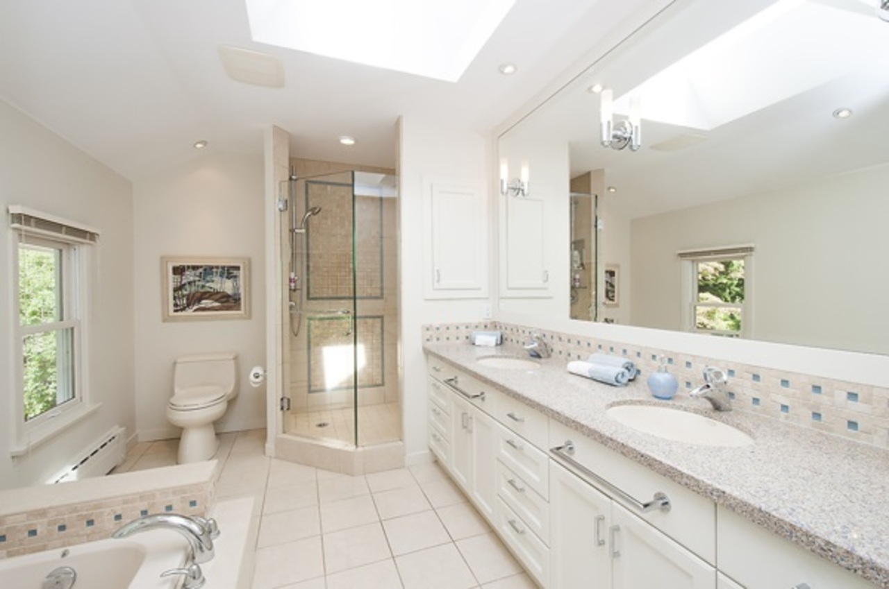 image-262128465-20.jpg at 4865 Capilano Road, Canyon Heights NV, North Vancouver