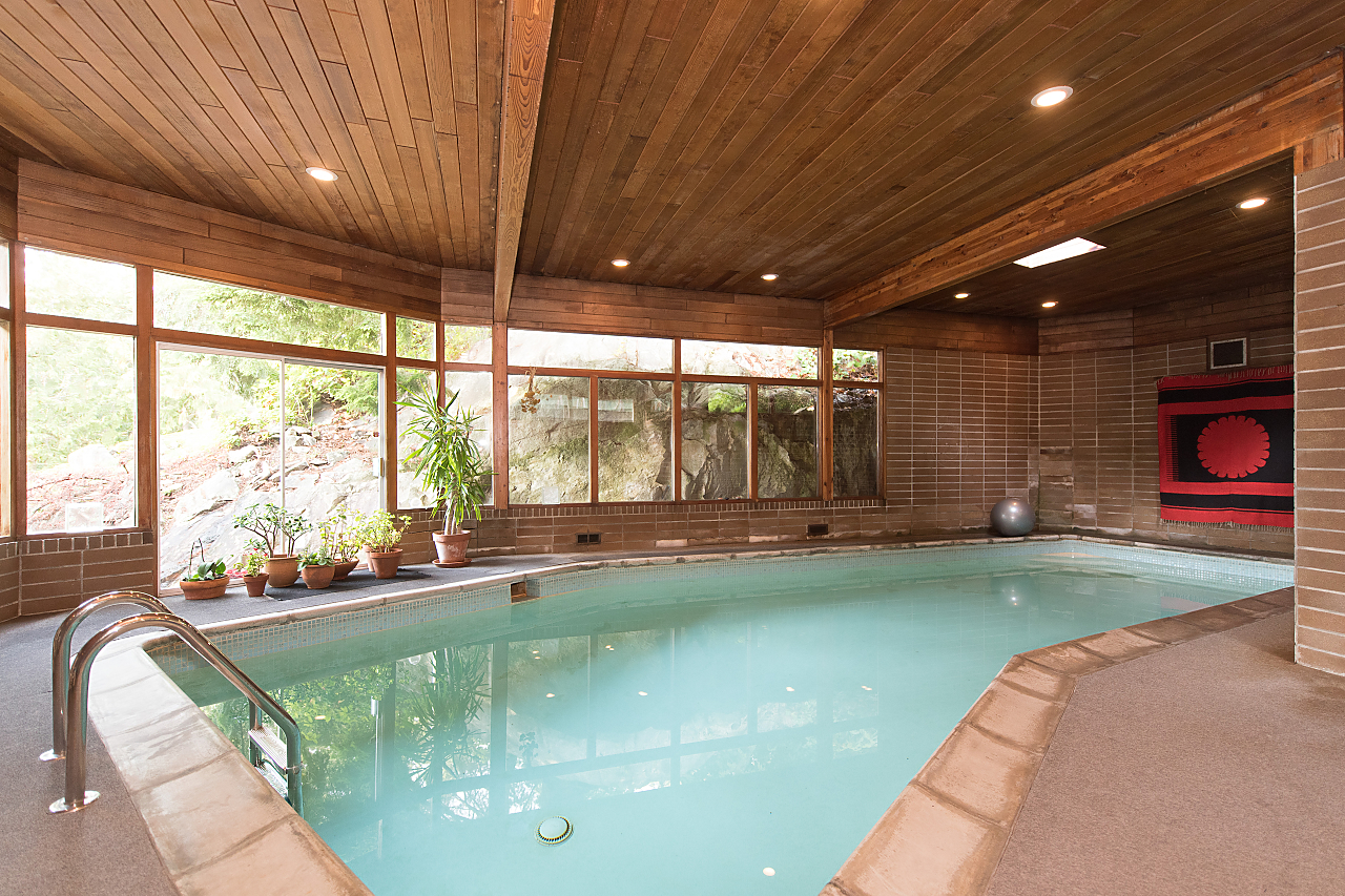 swimming-pool at 5019 Howe Sound Lane, Caulfeild, West Vancouver