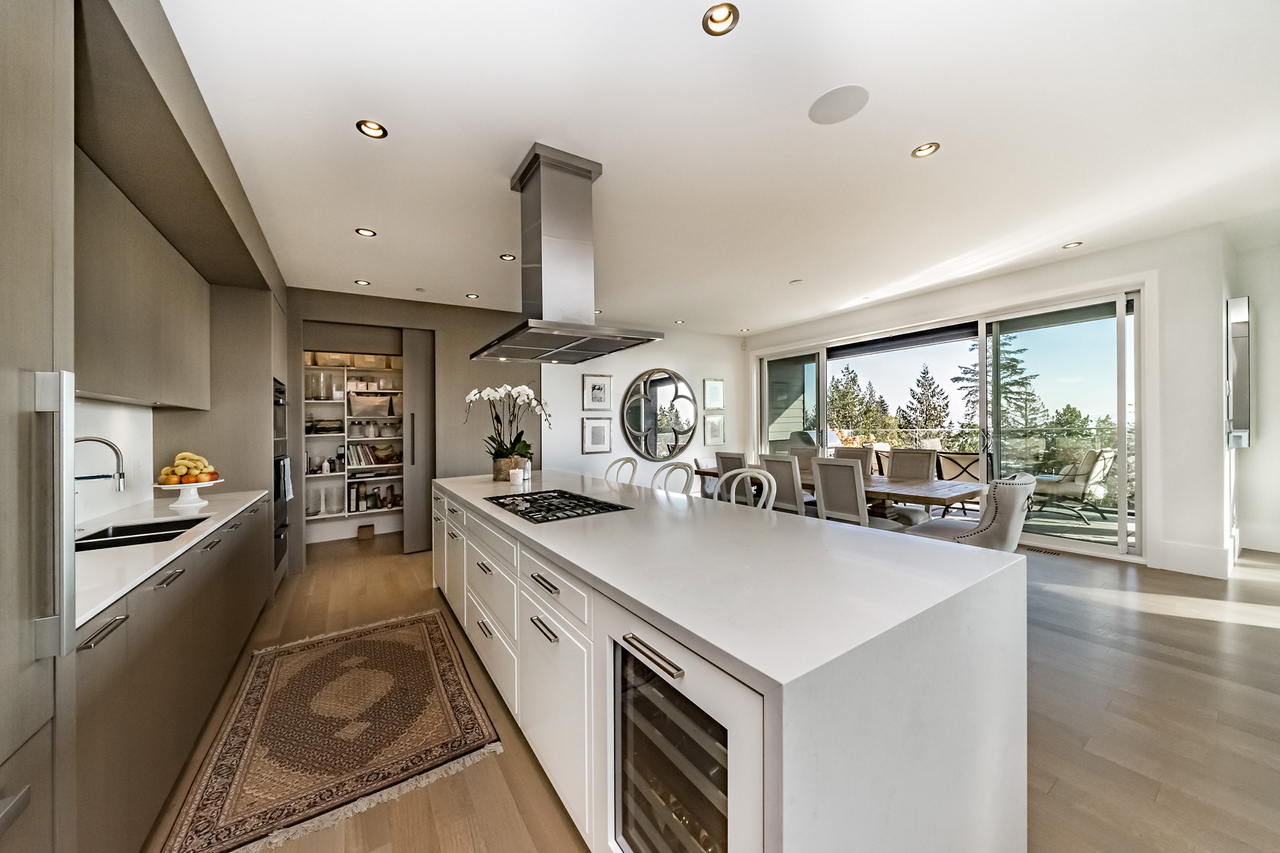 15 at 3818 Burfield Place, West Vancouver