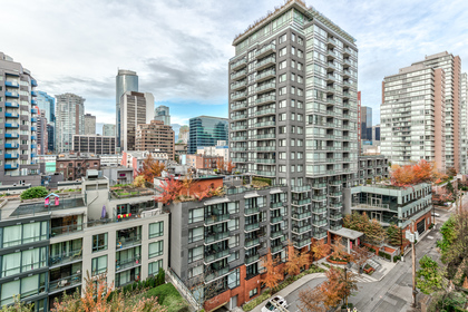 View at 1001 - 1055 Richards Street, Yaletown, Vancouver West