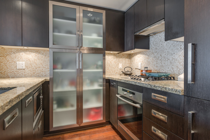 Kitchen at 1001 - 1055 Richards Street, Yaletown, Vancouver West