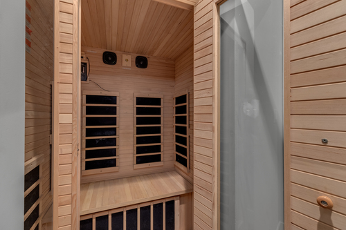 18-private-in-home-sauna at 5911 168a Street, Cloverdale BC, Cloverdale