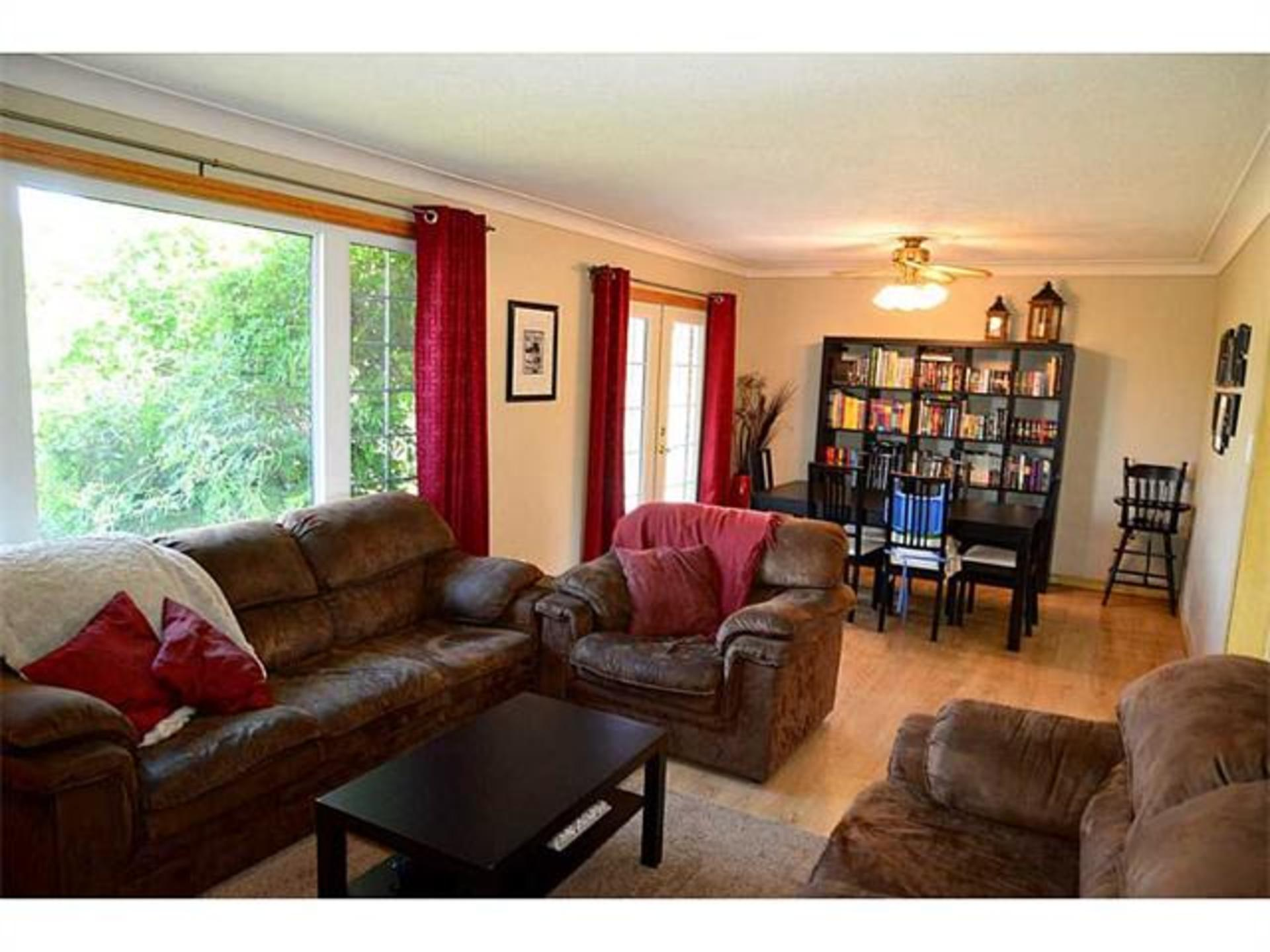 Living area at 7221 -  Range 1 Road , West Lincoln