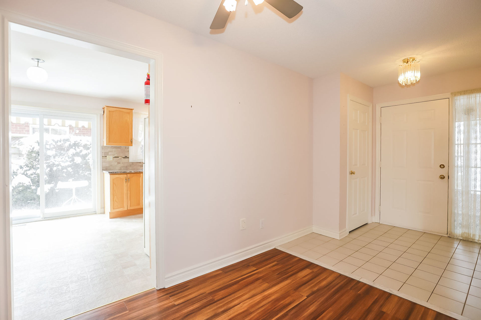 virtual-tour-292122-08 at 47 Colonial Cresent, Grimsby