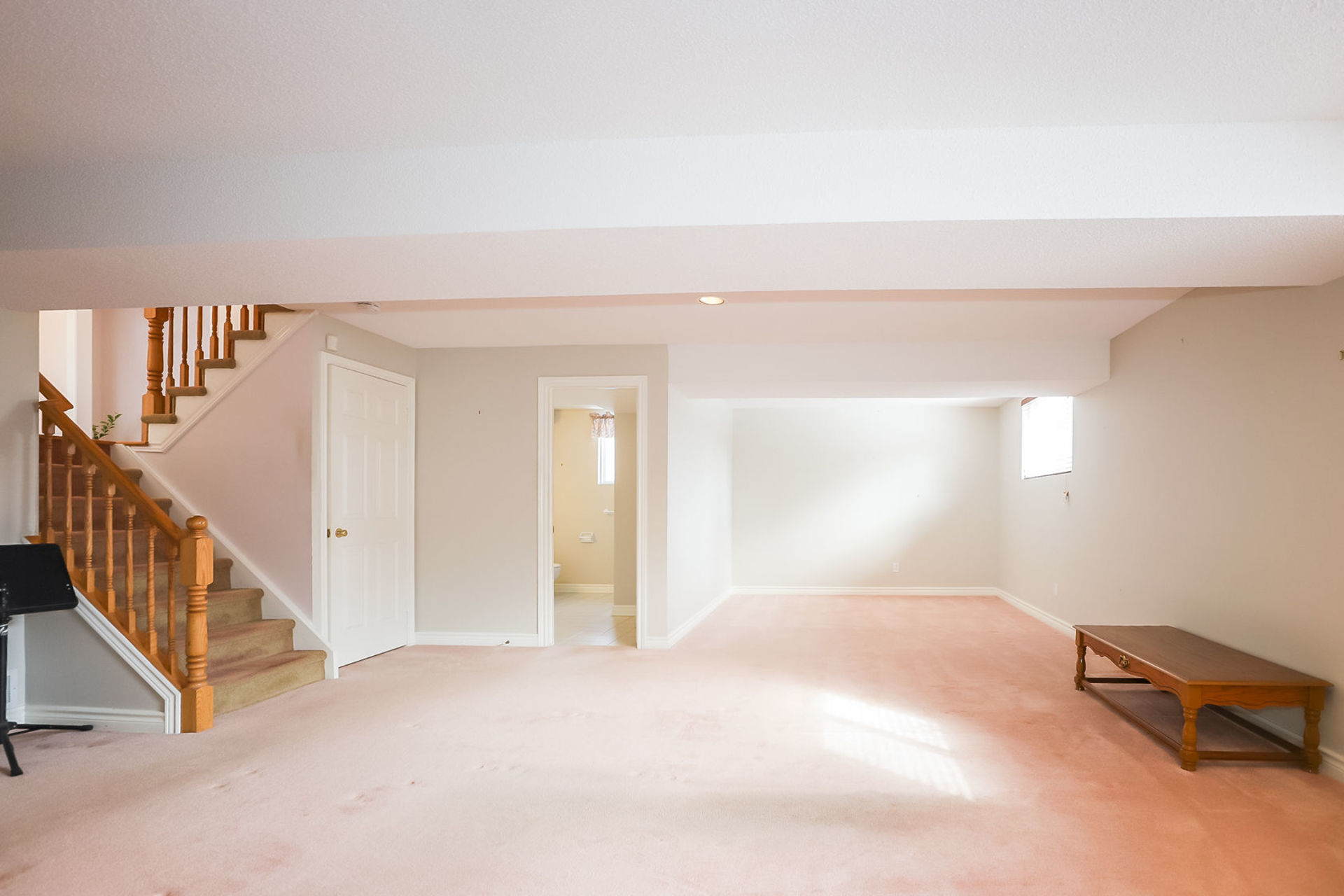 virtual-tour-292122-34 at 47 Colonial Cresent, Grimsby