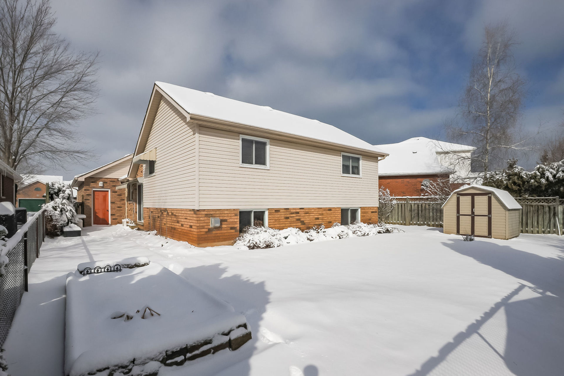 virtual-tour-292122-45 at 47 Colonial Cresent, Grimsby