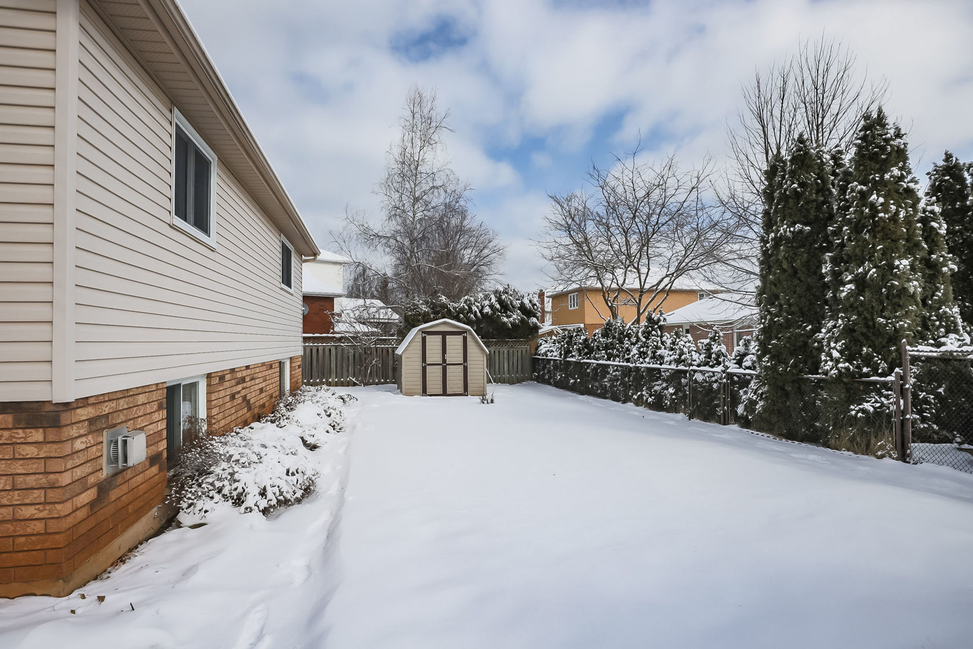 virtual-tour-292122-51 at 47 Colonial Cresent, Grimsby