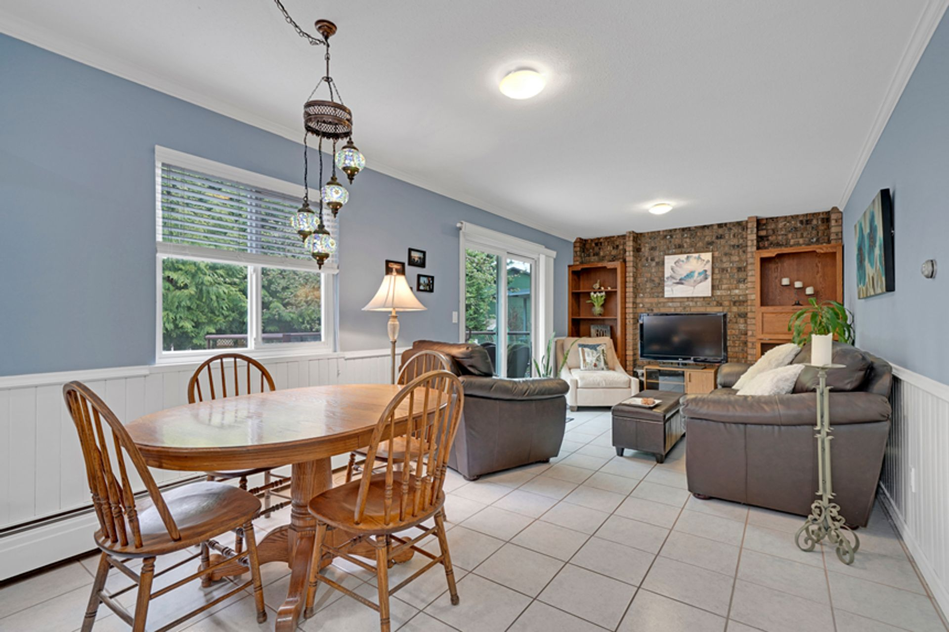 2g-main-eating-area-to-family-room-33 at 836 Irvine Street, Meadow Brook, Coquitlam