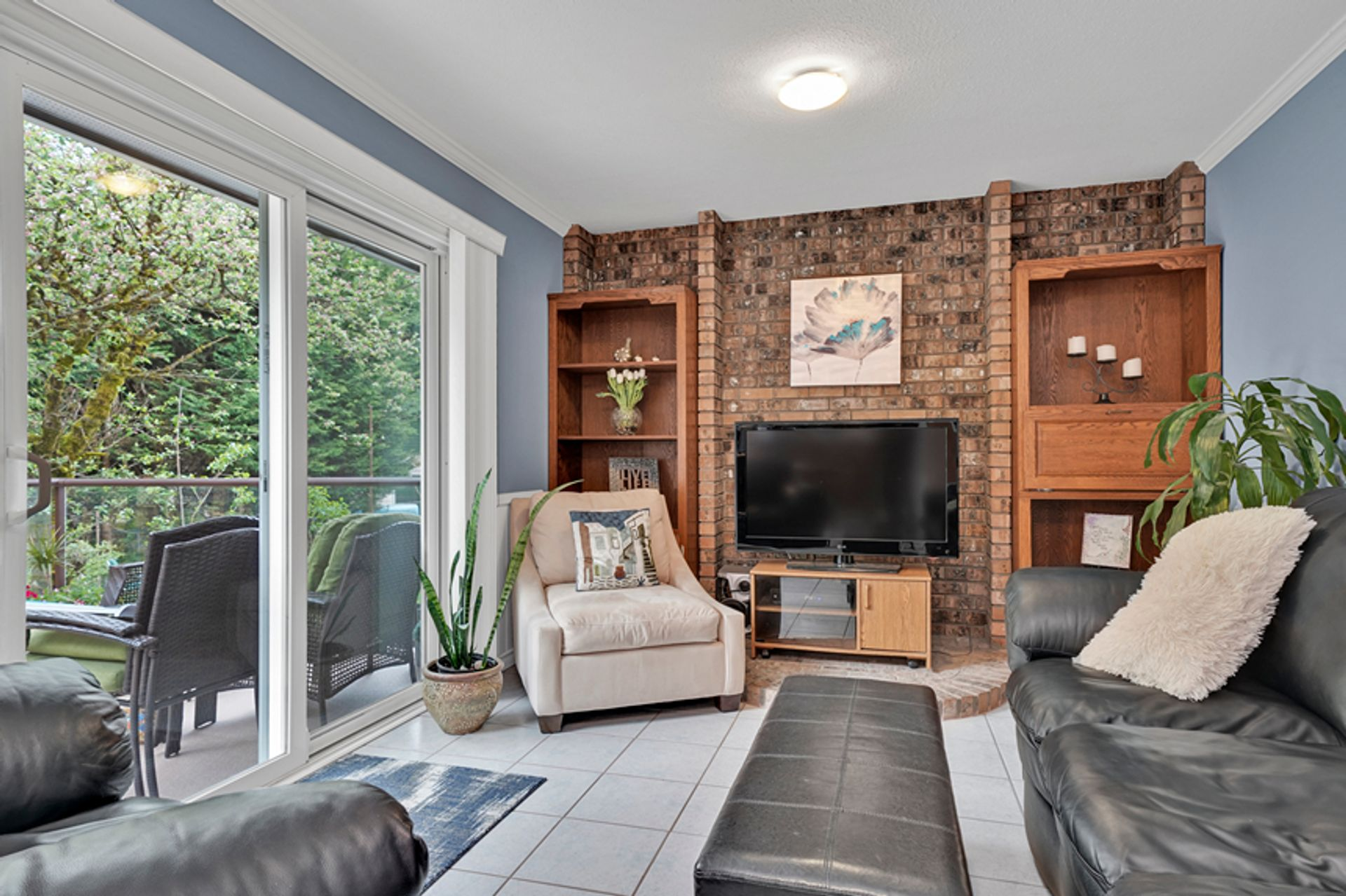 2h-main-family-room-15 at 836 Irvine Street, Meadow Brook, Coquitlam
