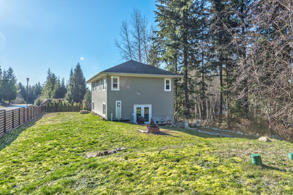 yard-8 at 131 Fern Drive, Anmore, Port Moody
