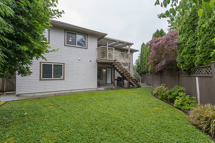 33917_52 at 23915 121 Avenue, East Central, Maple Ridge