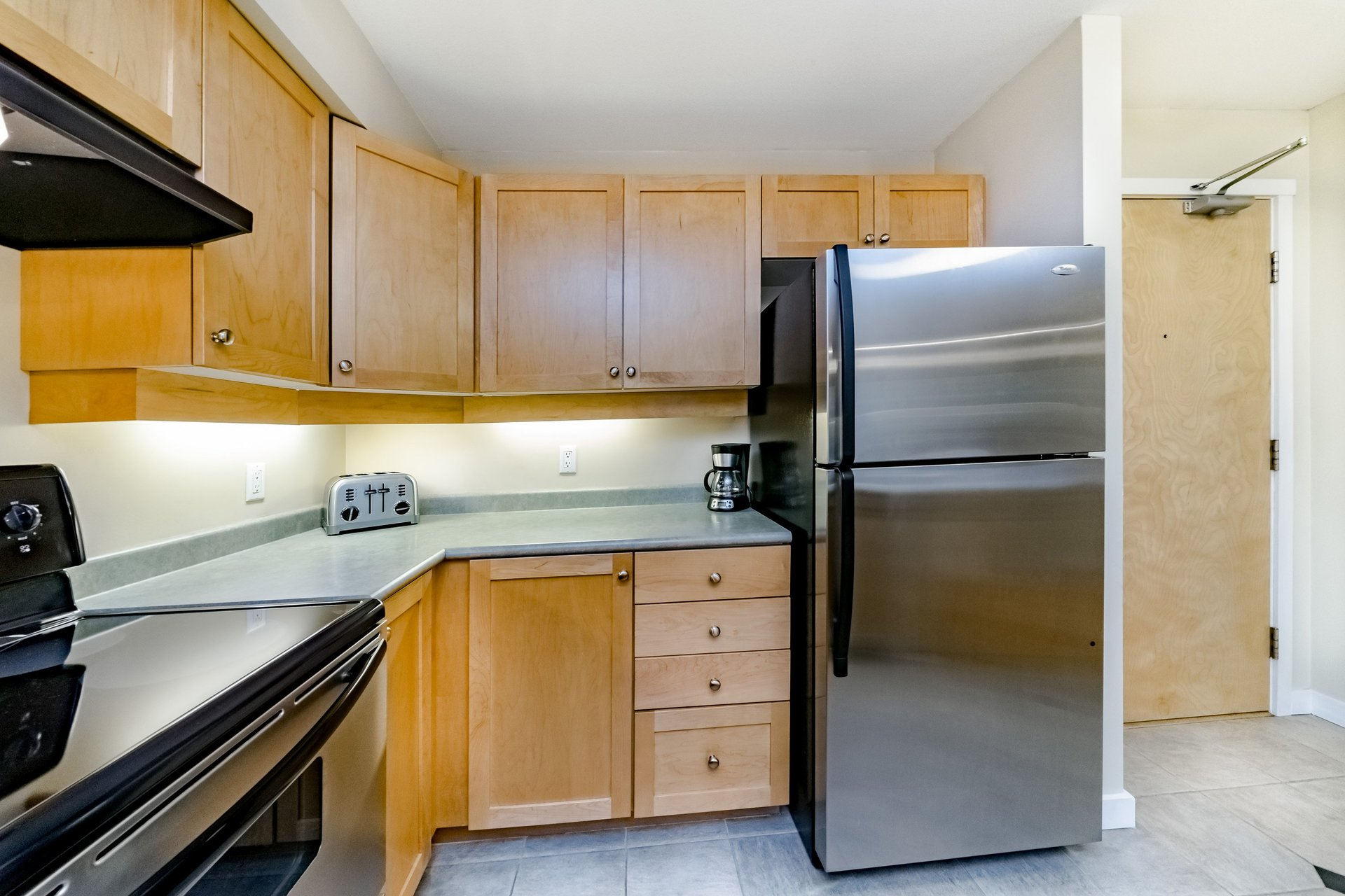 37950_11 at 317 - 808 Place Sangster, The Heights, New Westminster