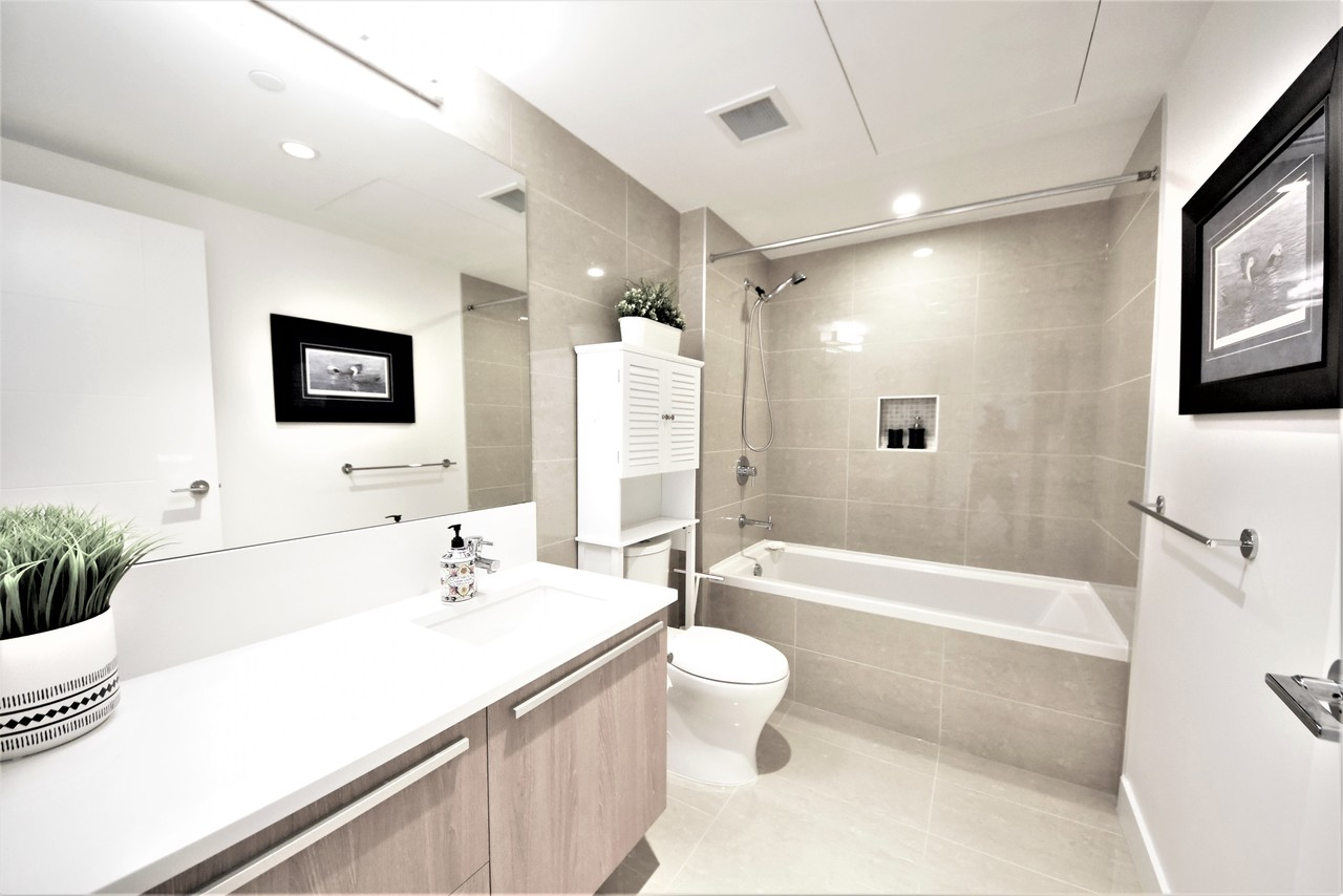 bathroom1 at 419 - 2738 Library Lane, Lynn Valley, North Vancouver
