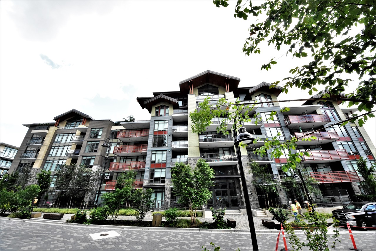 buiding1 at 419 - 2738 Library Lane, Lynn Valley, North Vancouver