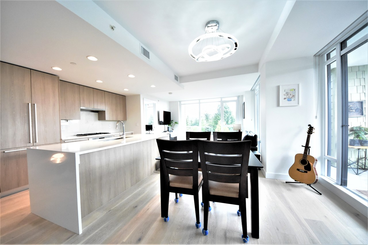 eating-area at 419 - 2738 Library Lane, Lynn Valley, North Vancouver