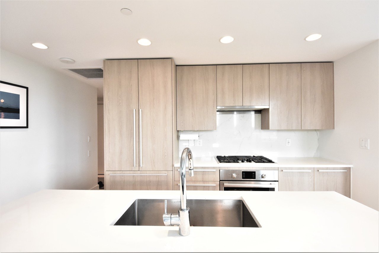 kitchen4 at 419 - 2738 Library Lane, Lynn Valley, North Vancouver