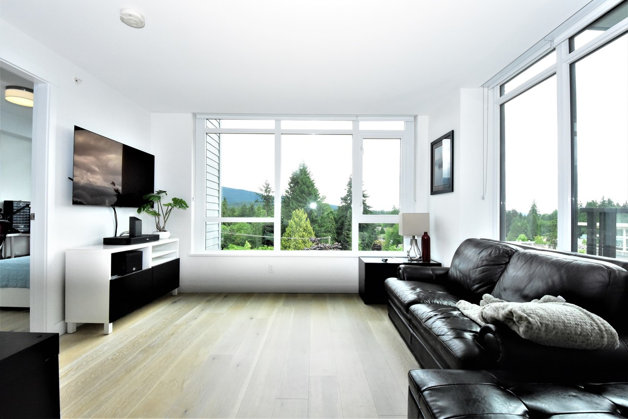 living3 at 419 - 2738 Library Lane, Lynn Valley, North Vancouver