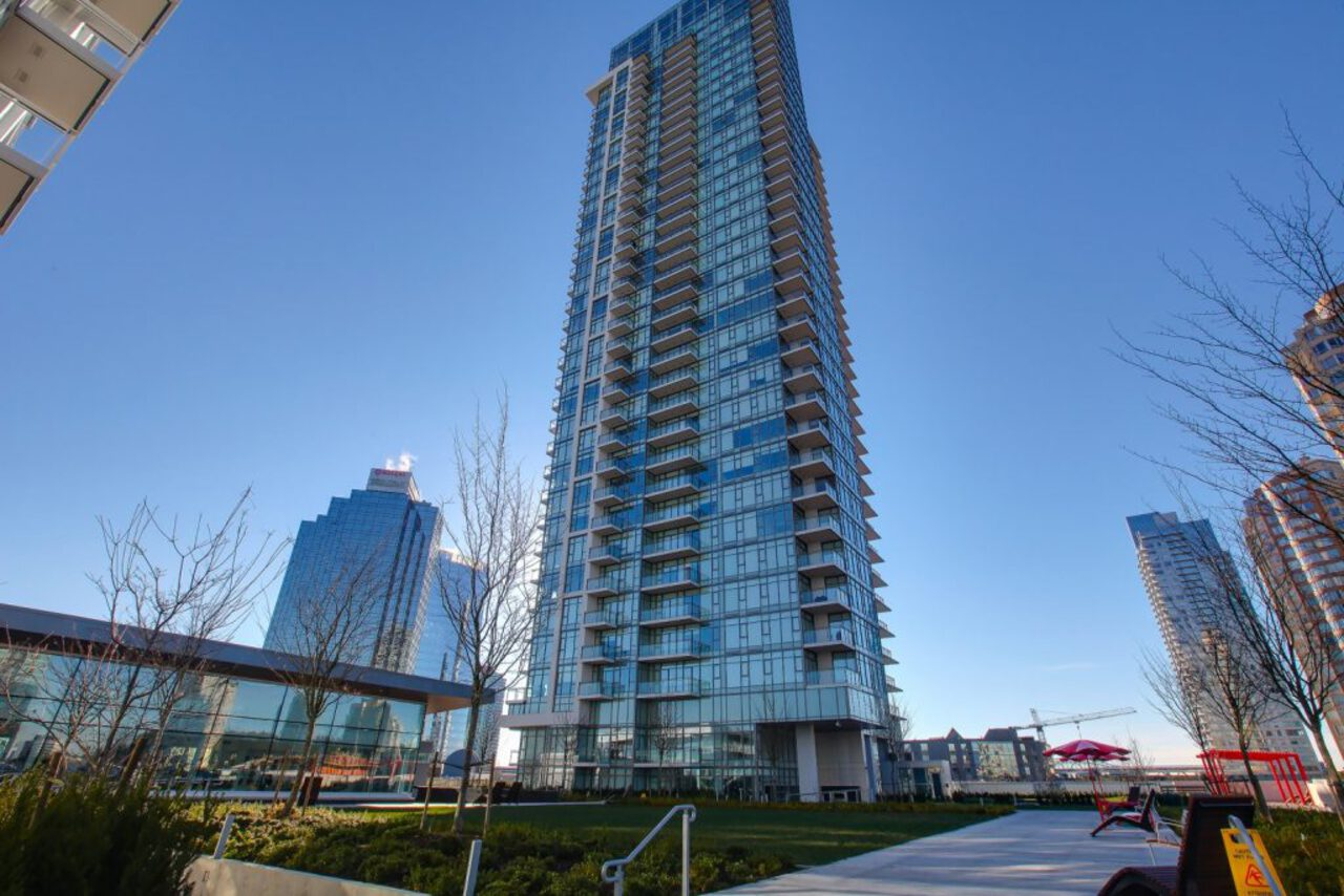 5th-fl at 4102 - 6098 Station Street, Metrotown, Burnaby South