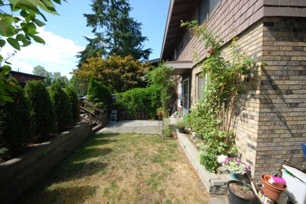 es at 268B Drive Evergreen, College Park PM, Port Moody