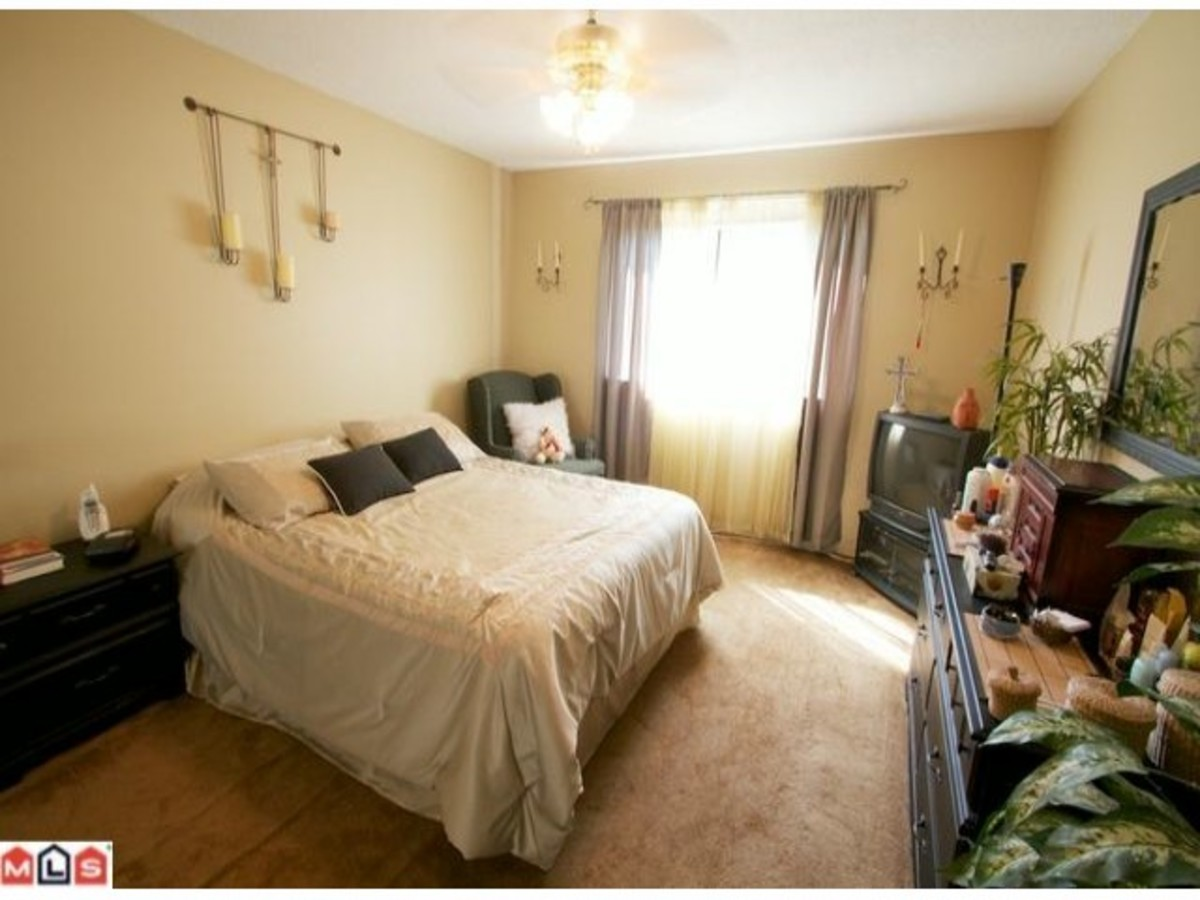 F1121237_501_94.jpg at 39 - 14111 104 Avenue, Whalley, Surrey