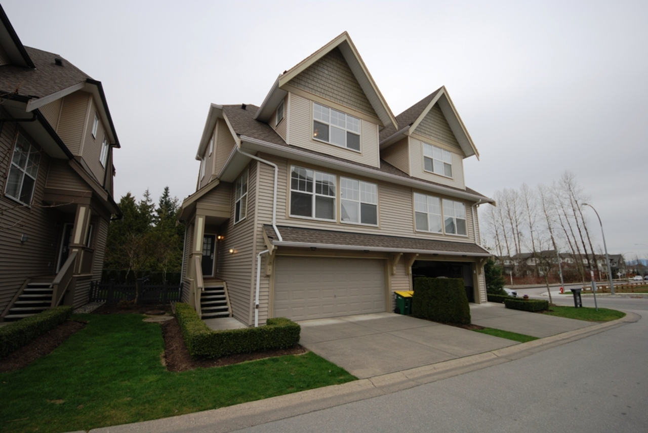l1 at 25 - 8089 209st, Langley