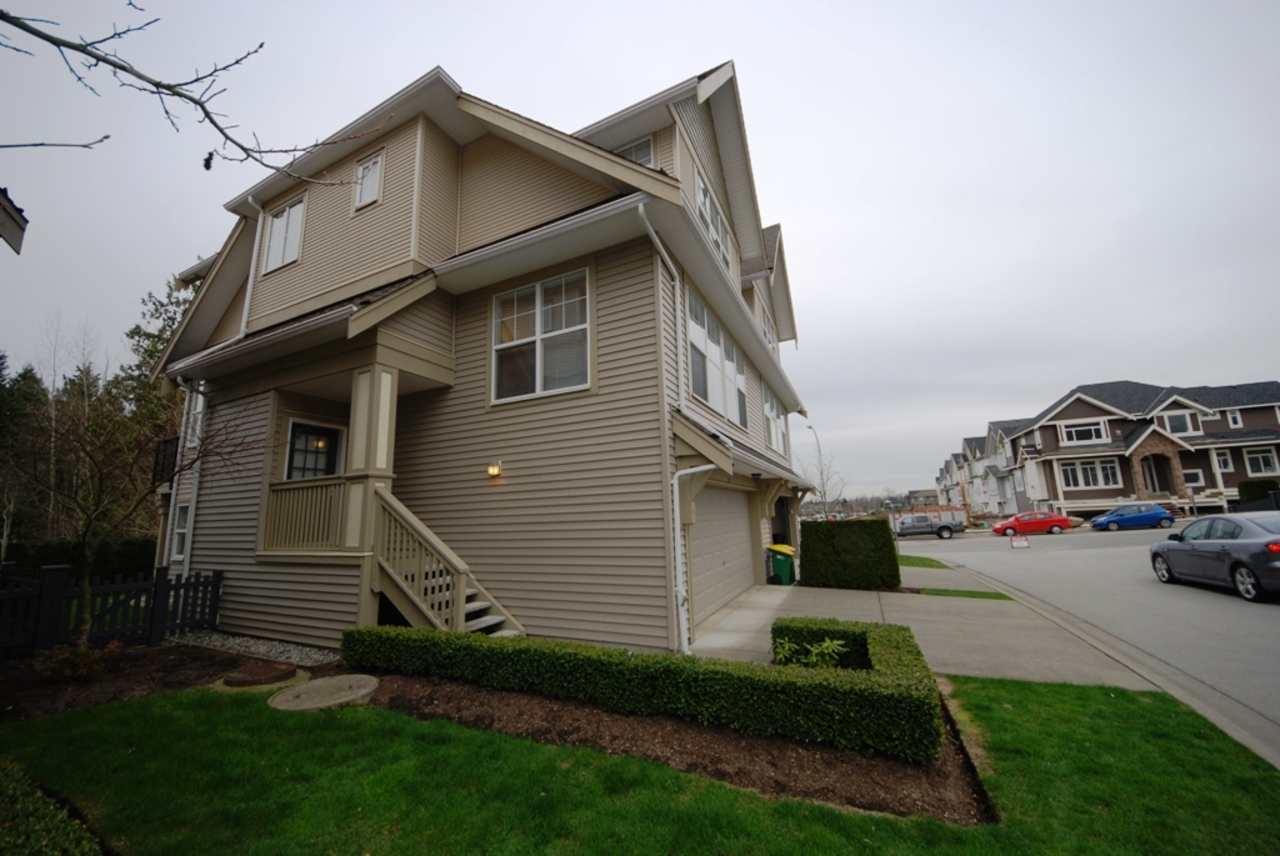 l2 at 25 - 8089 209st, Langley