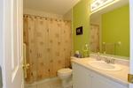 Full bath at 44 Jardin, Manor Park, Ottawa