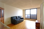 living at 617 - 515 St Laurent, Viscount Alexander Park, Ottawa