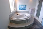 Ensuite at 5570 Pettapiece Crescent, Manotick Estates, Manotick