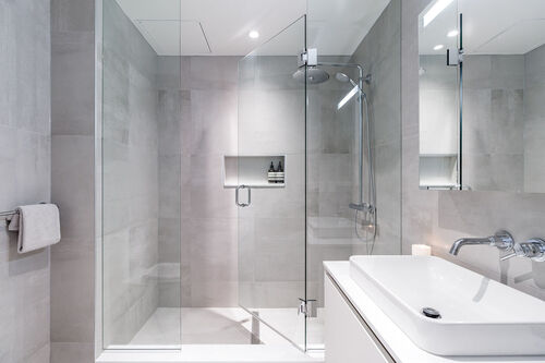 h17bath at 402 - 717 West 17th Street, Cambie, Vancouver West