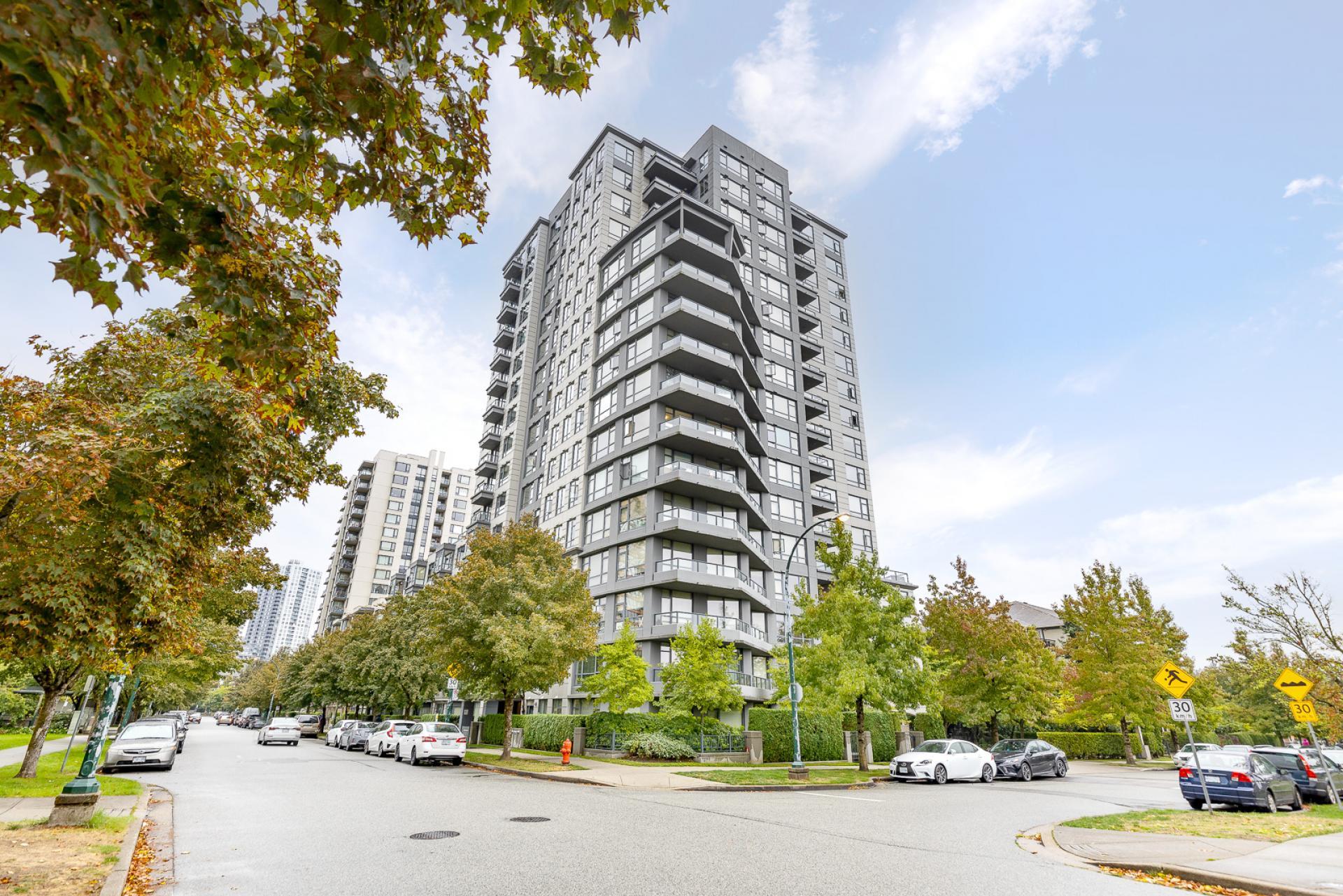 706 - 3520 Crowley Drive, Collingwood VE, Vancouver East