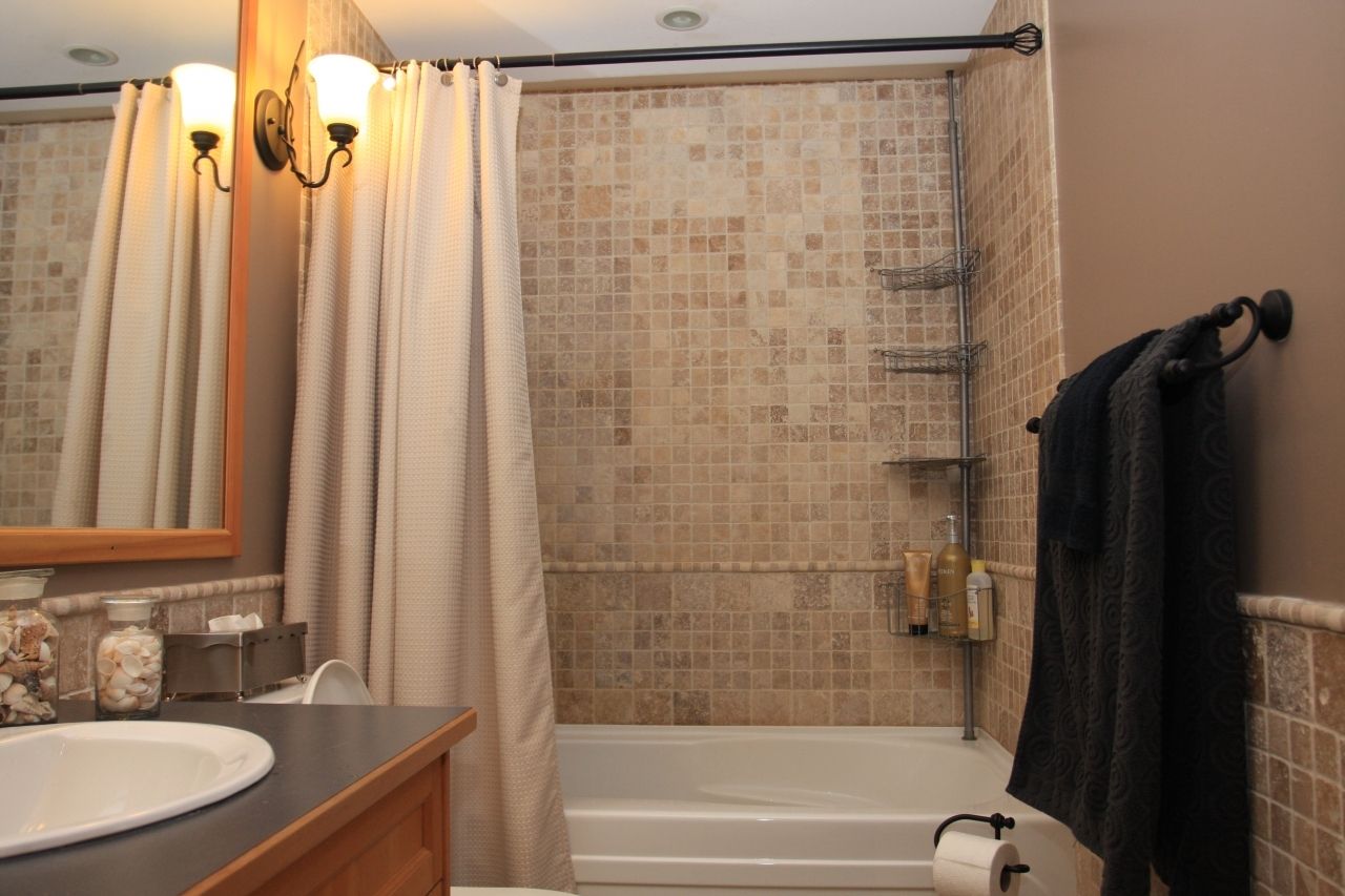 Bath  at 102 - 105 Kings Road, Upper Lonsdale, North Vancouver