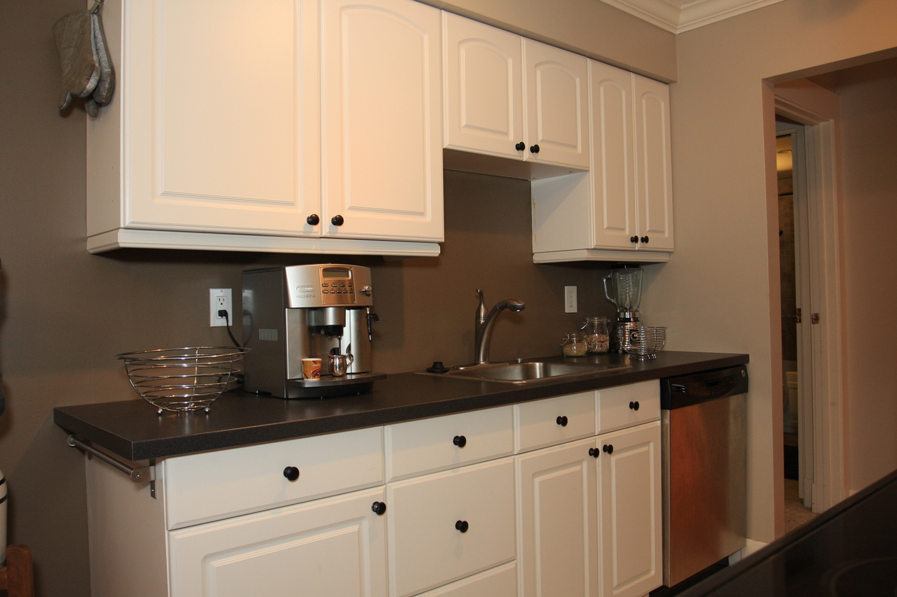 Kitchen at 102 - 105 Kings Road, Upper Lonsdale, North Vancouver