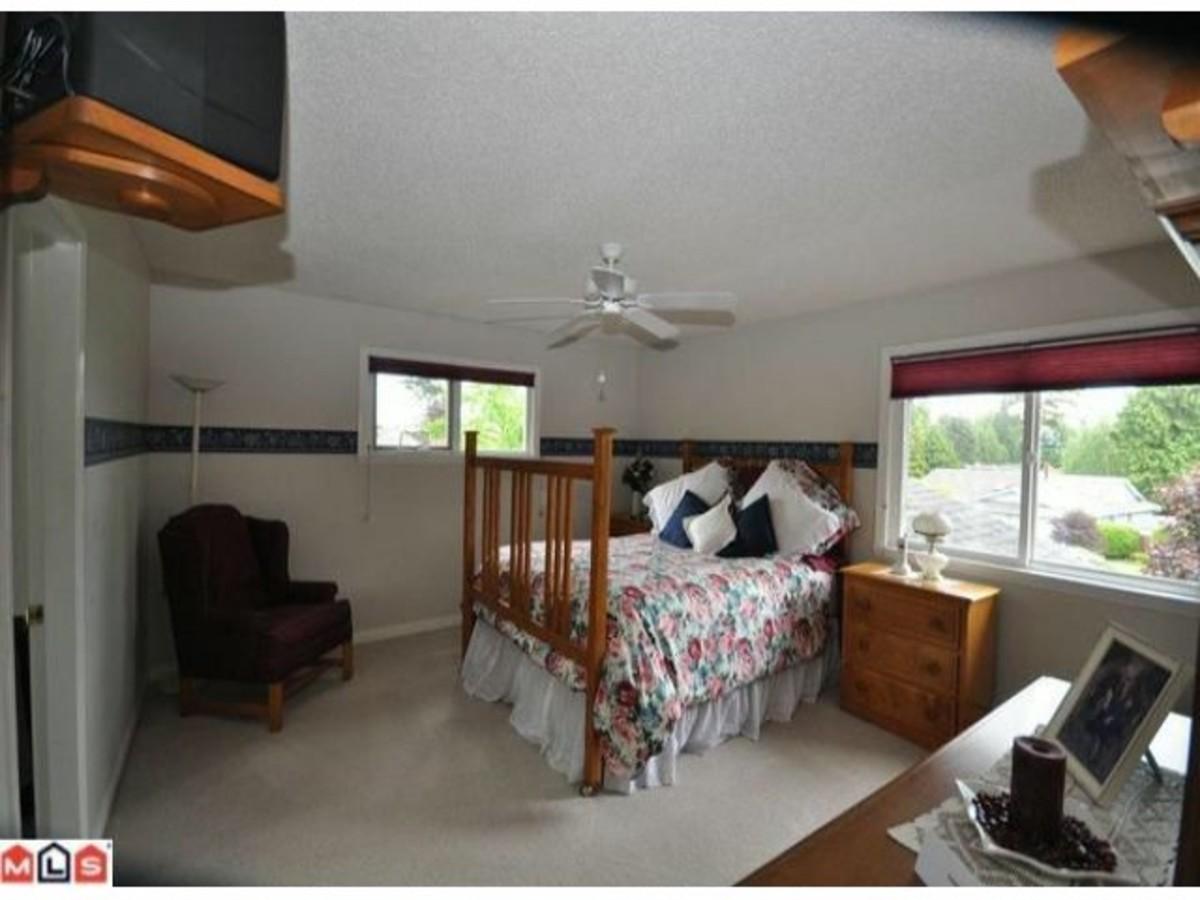 image-259541466-6.jpg at 13867 17a Avenue, Sunnyside Park Surrey, South Surrey White Rock