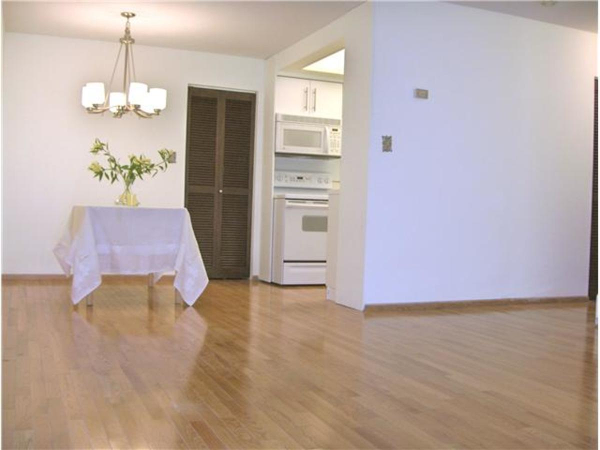 image-259763620-4.jpg at 104 - 123 19th Street, Central Lonsdale, North Vancouver
