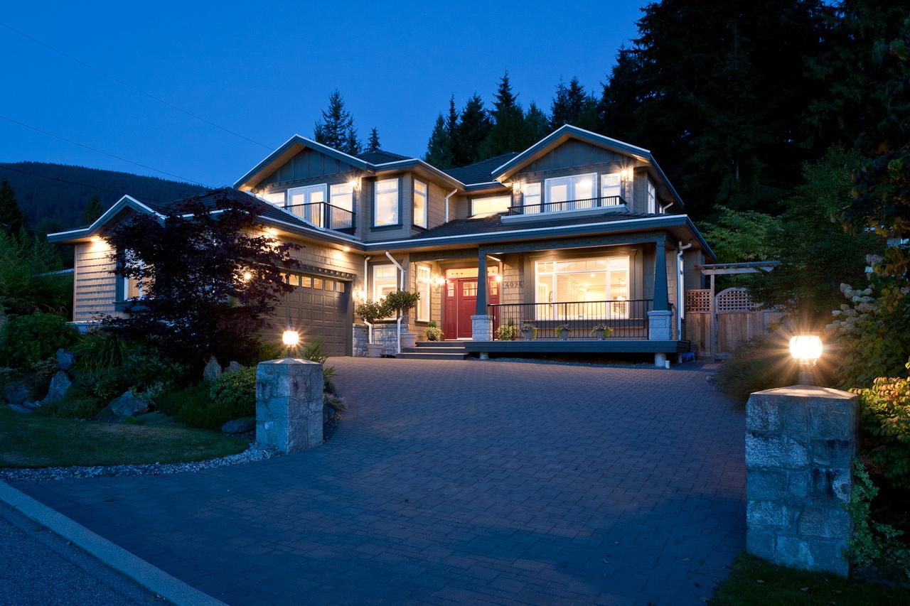 02_20120926_5D_9569-es at 4096 Skyline Drive, Forest Hills NV, North Vancouver