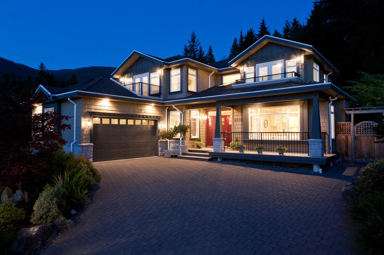 03_20120926_5D_9573-es at 4096 Skyline Drive, Forest Hills NV, North Vancouver